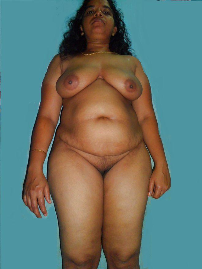 Sexy old aunty boobs phto