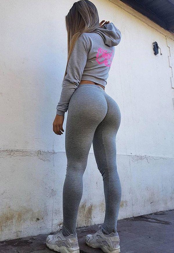 Girls big ass in tight yoga pants