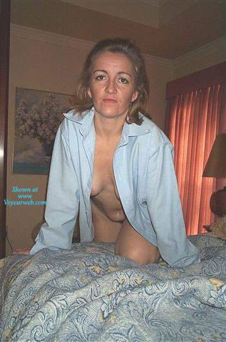 Mature amateur women posing nude