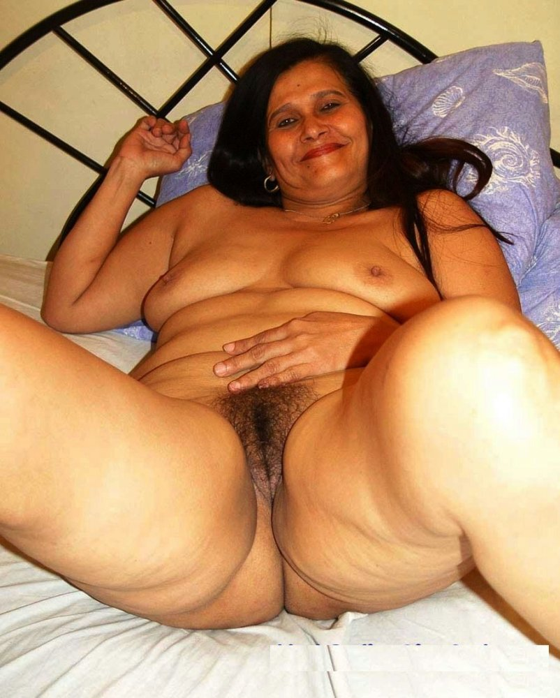 Indian middle age aunty nude