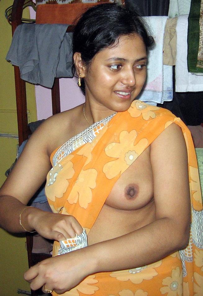 Desi girl boobs from saree