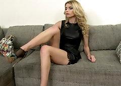 Sexy lesbian heel suck