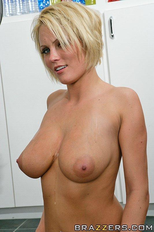 Hanna hilton shirt tits