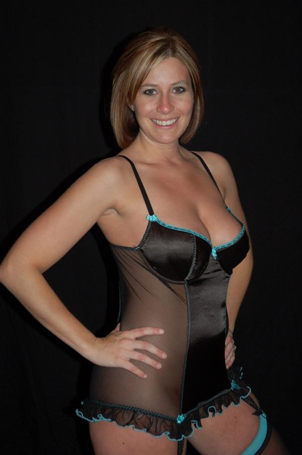 Big tit milf lingerie amateur