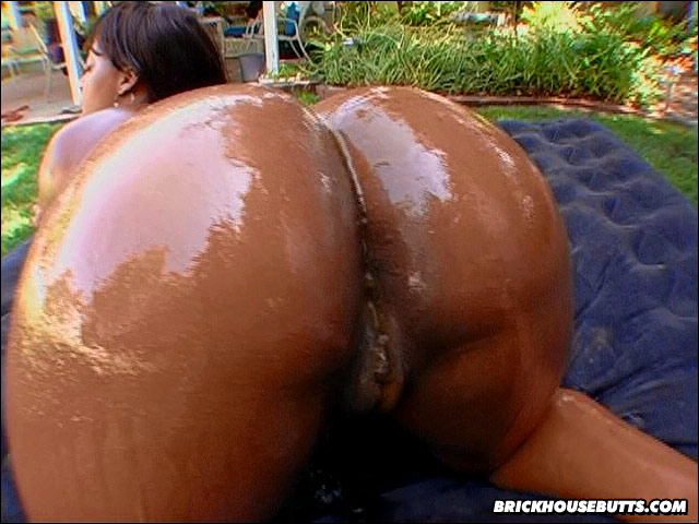 Sexy naked big blacky oiled booties