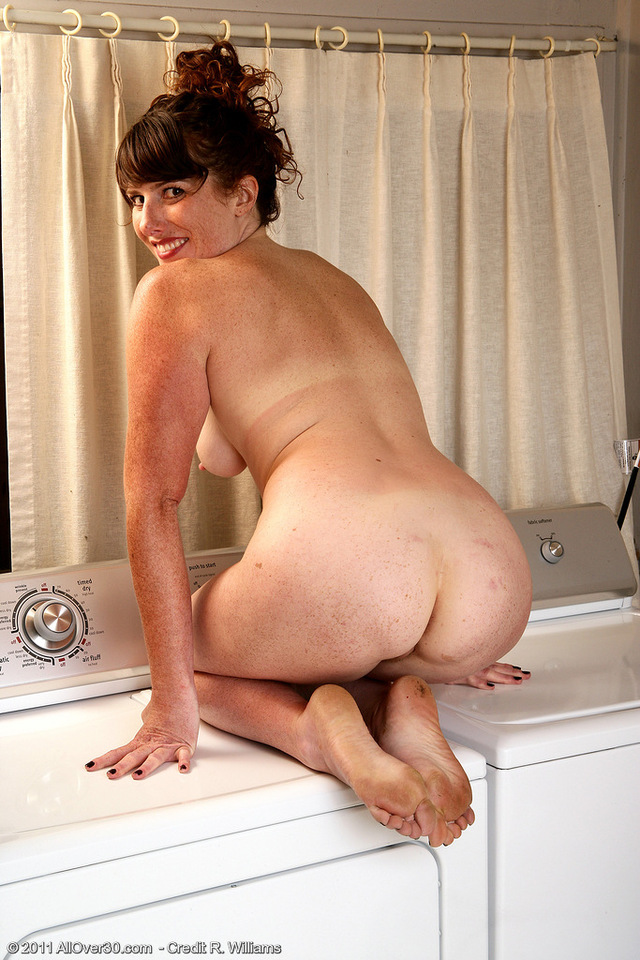 Hot mature brunette milf ass milf picture