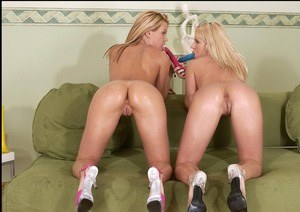 Drunk party girls sucking cock