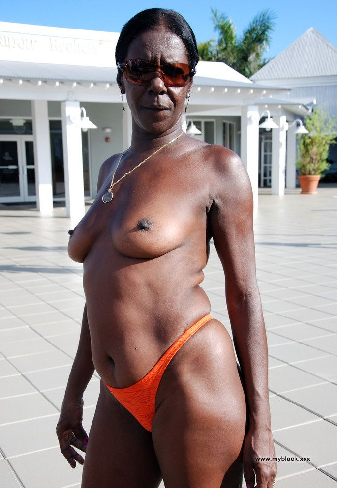 Naked old black woman