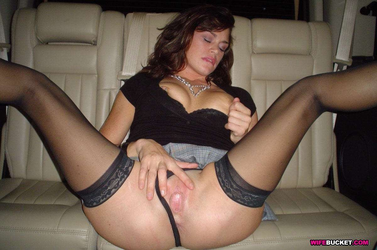 Amateur milf stockings mom