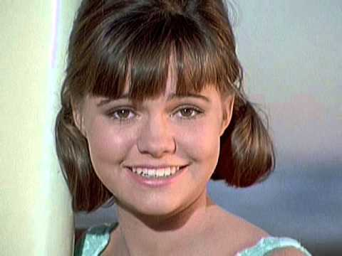 Young sally field gidget
