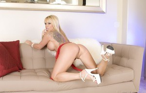 Chanies of xxx pic