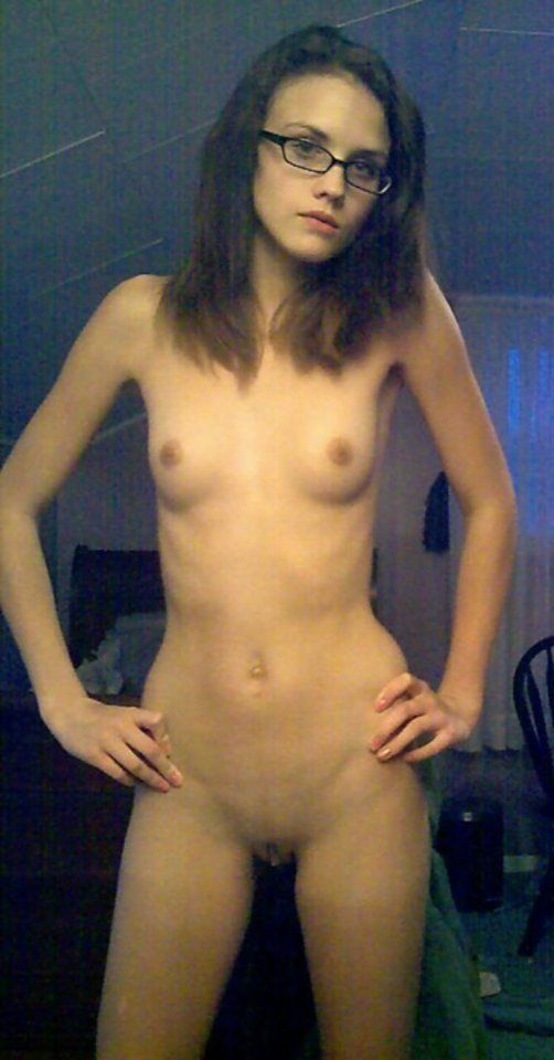 Amateur with glasses and nude girls