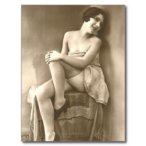 Naughty vintage french pin up girl