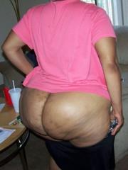 Big booty black mom naked