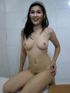 Koleksi gambar artis telanjang