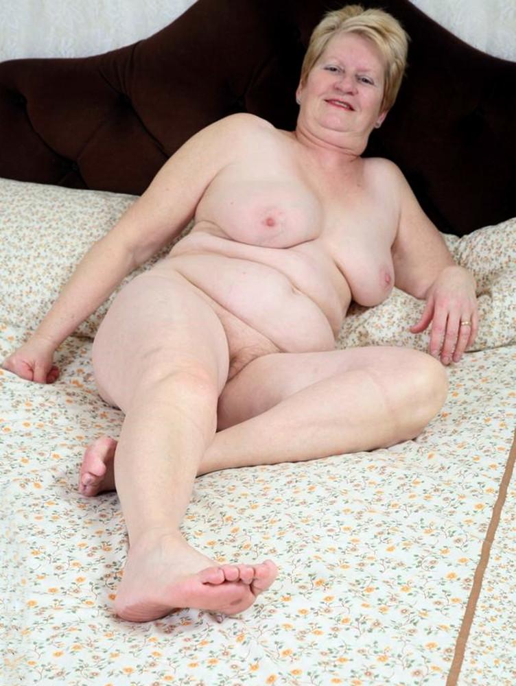 Nude granny oma mature
