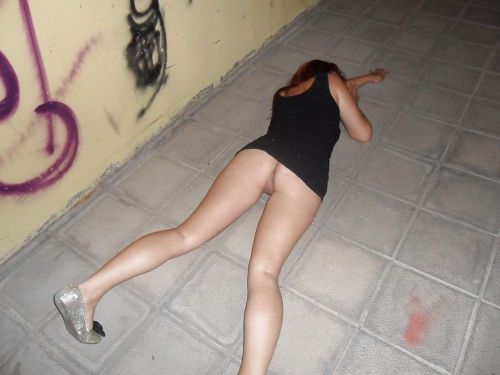 Drunk girl passed out no panties