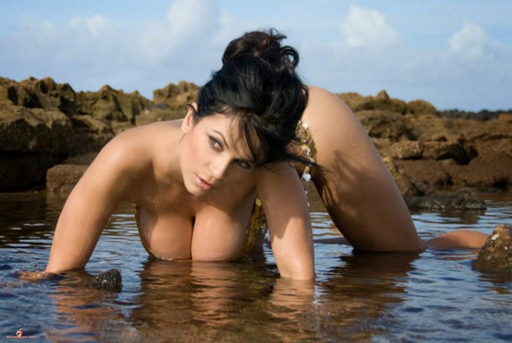 Nude denise milani hypnosis