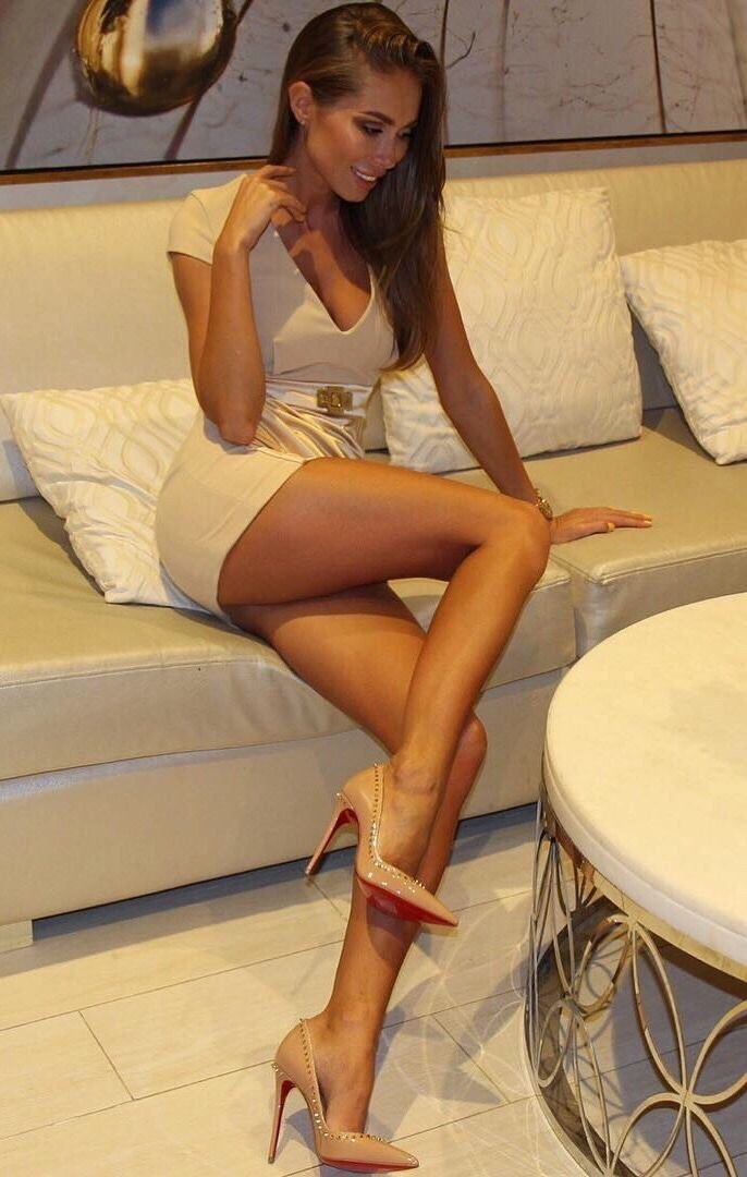 Girls high heels nude