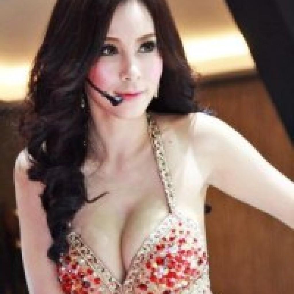 Artis indonesia telanjag bulat