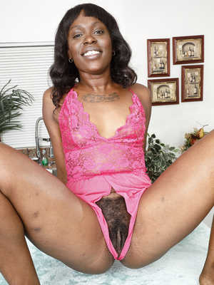 Only nice naked black pussy