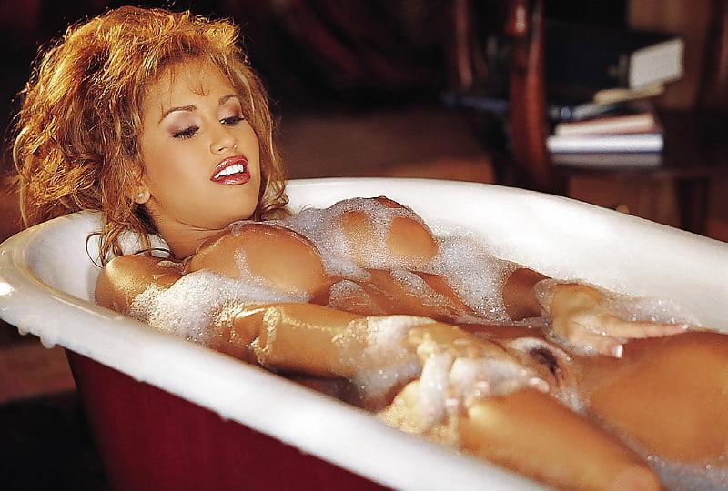 Jennifer walcott playboy nude pussy