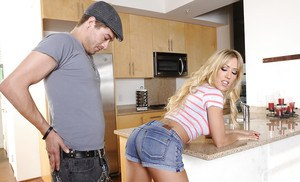 Mario girls butt getting spanking