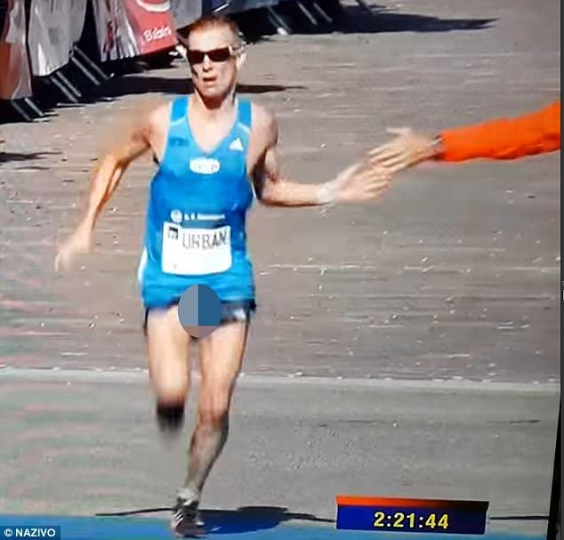 Swinging bulges in runners