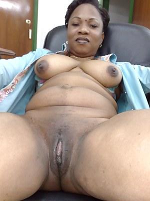 Hd black moms pussy
