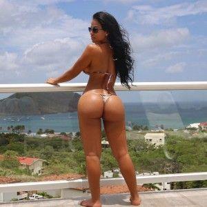Average people naked outdoors