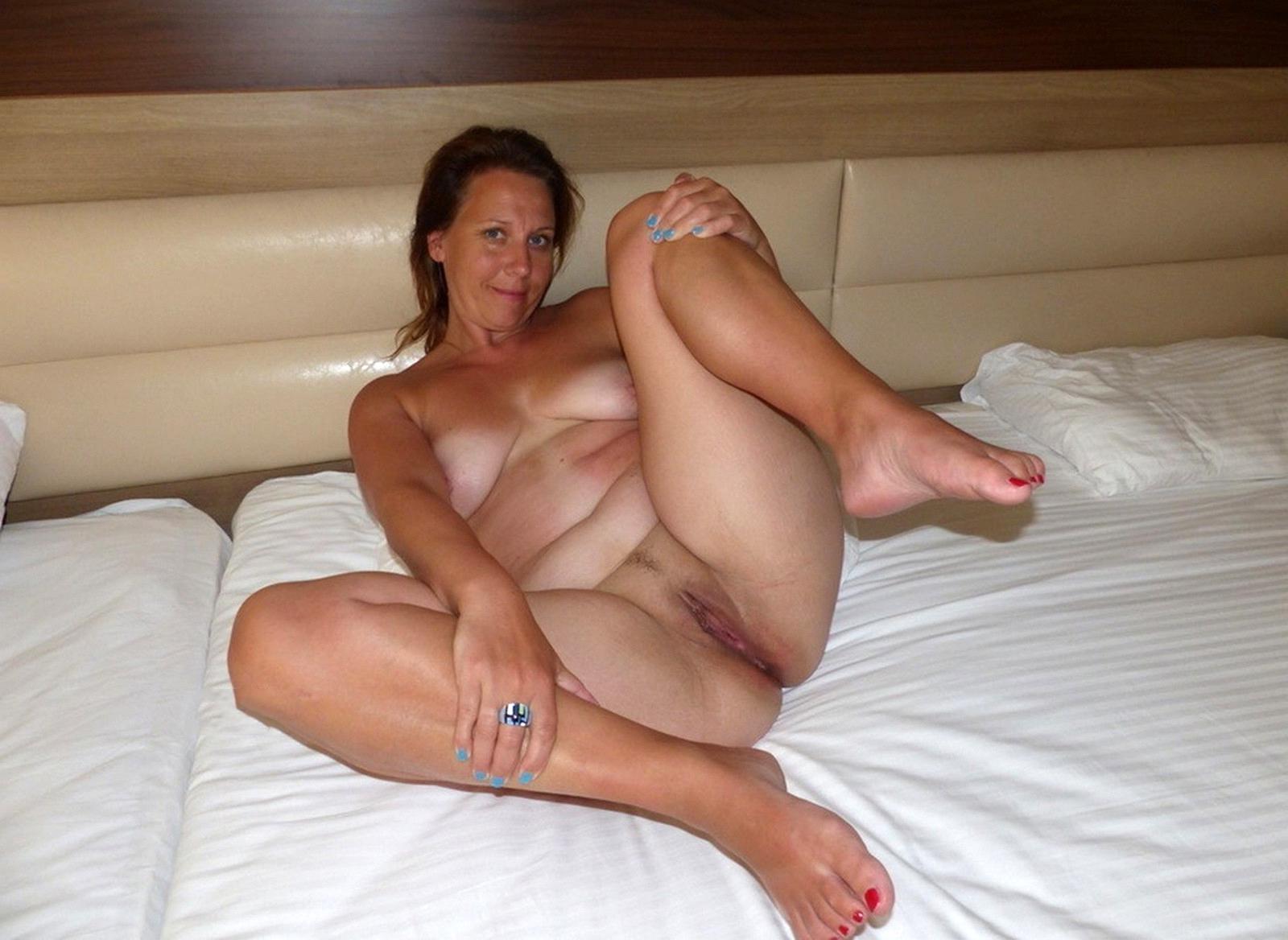Russian mature woman feet soles