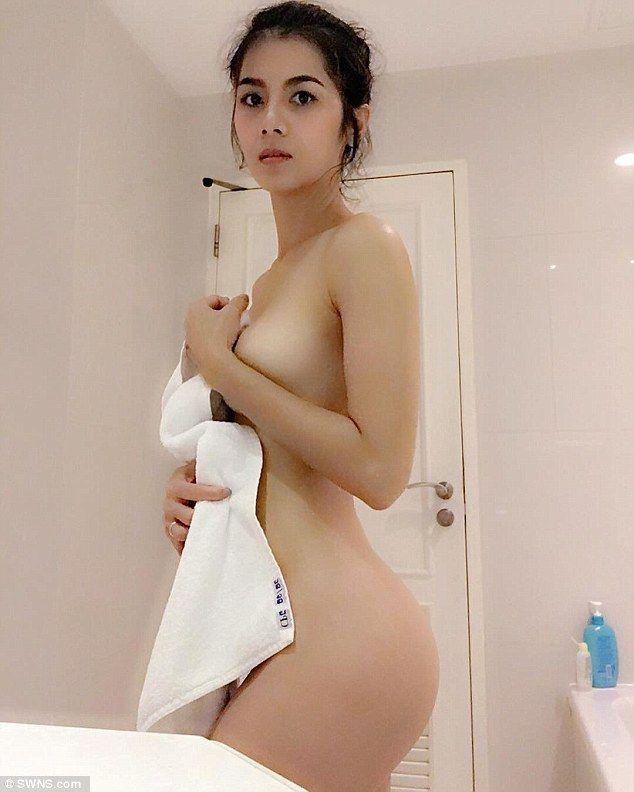 Sexy ngangkang porn star