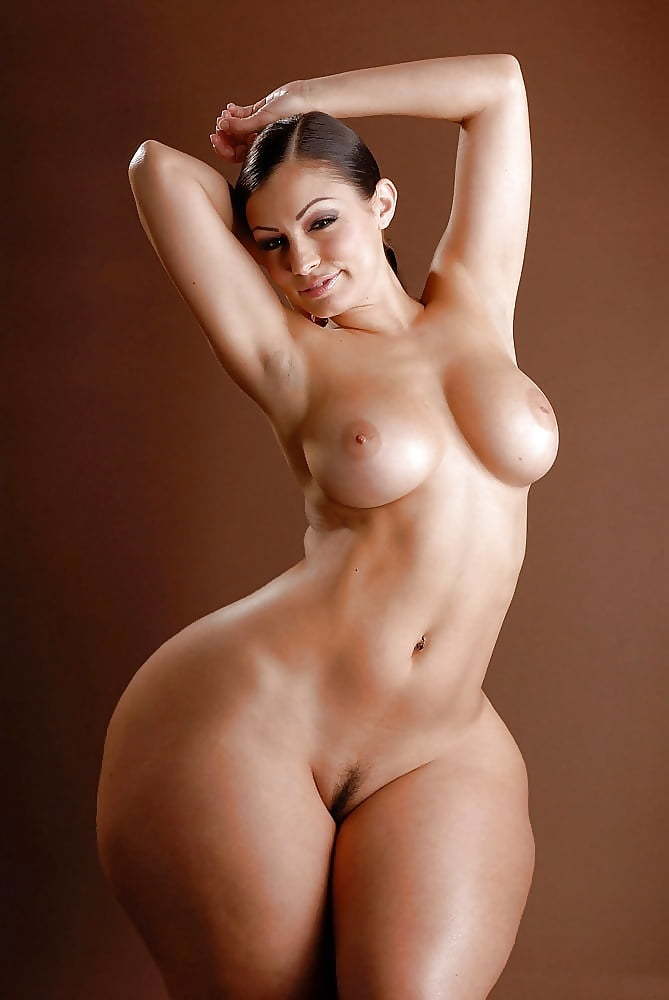 Naked photos women with hips