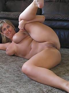 Pussy mom voluptuous pics