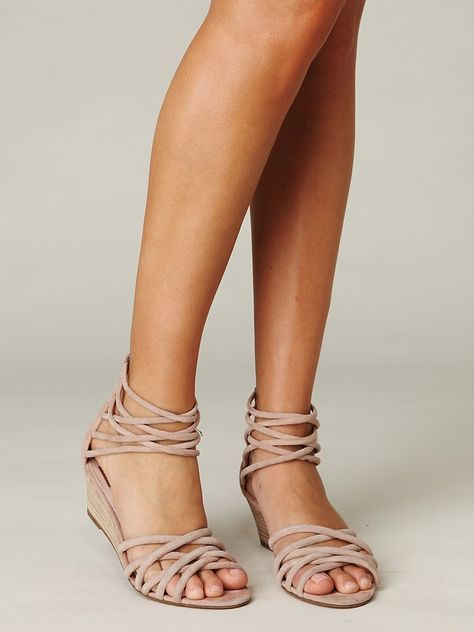 Nude girls saddle shoes