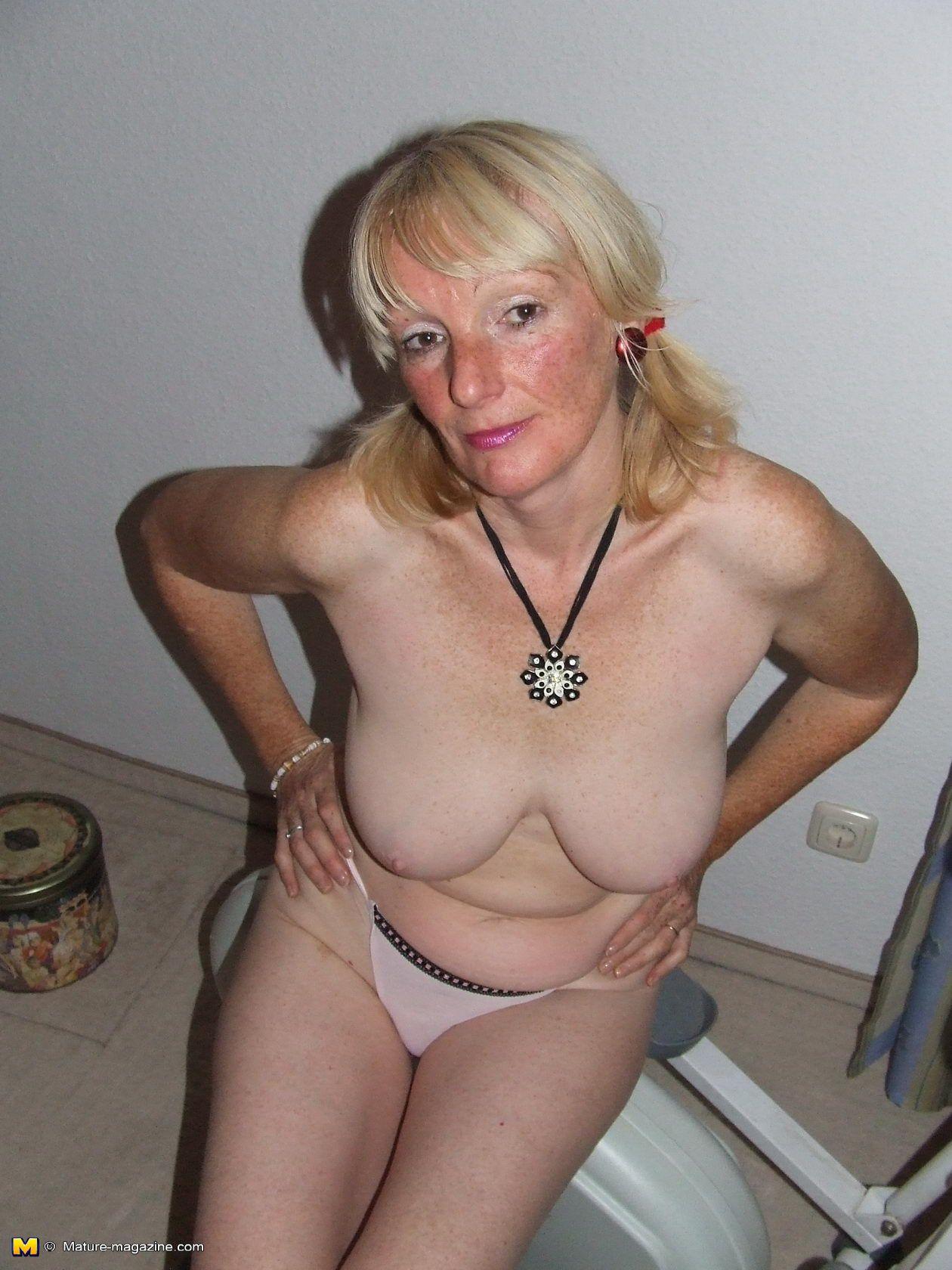 Slutty mature women sex