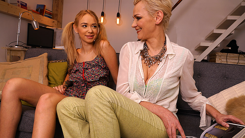 Hot hairy mature lesbians