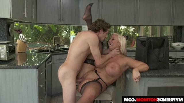 Porn fuck mom friend