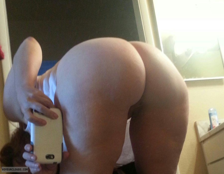 Bent over nude selfie