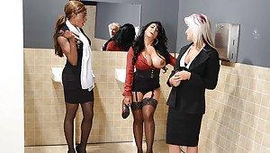 Ebony black cougar in lingerie
