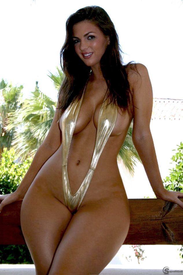 Porno naked woman biggest hips