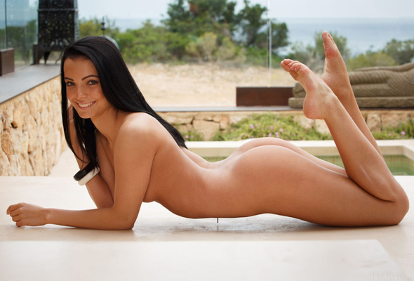 Sexy black woman feet naked