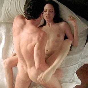 Angelina jolie nude clips