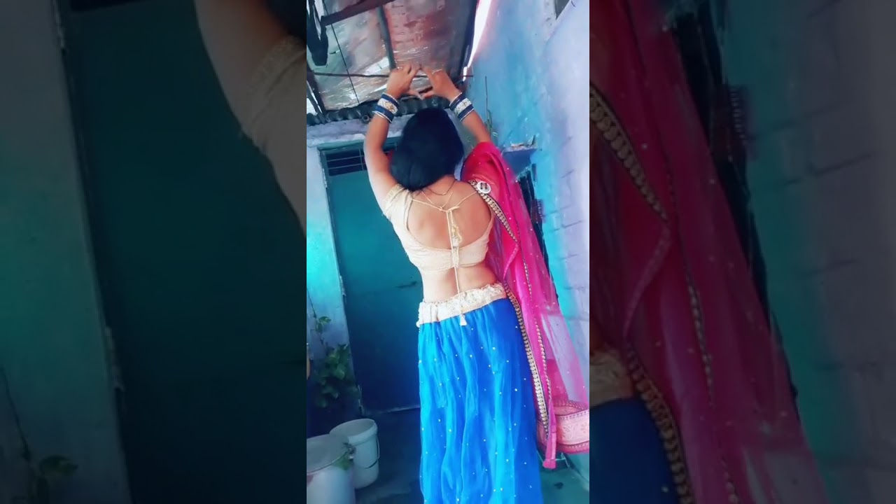 Indian sexy aunty back image