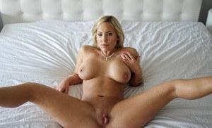 Hot big boob models in bikinis