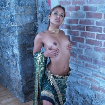 Nude boobs in saree images indian