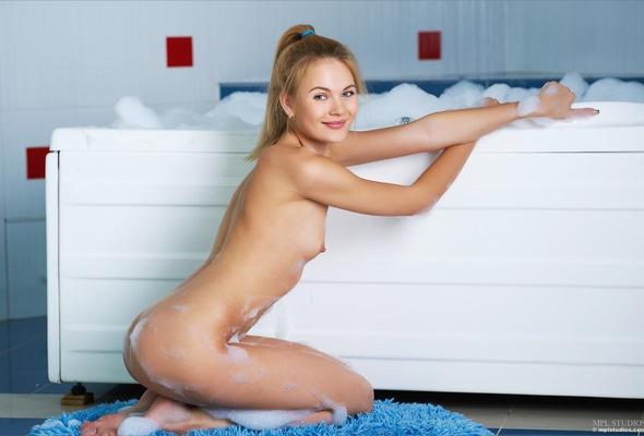 Tiny tits skinny girls naked