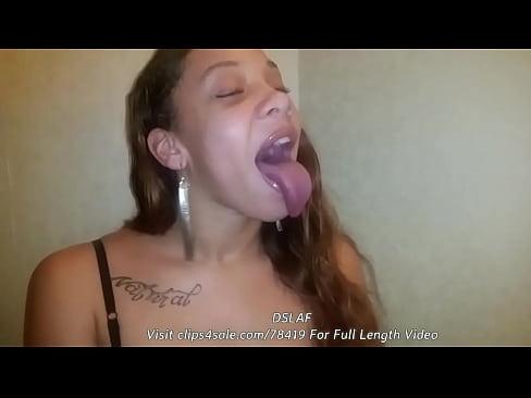 Ebony sloppy blow job tube