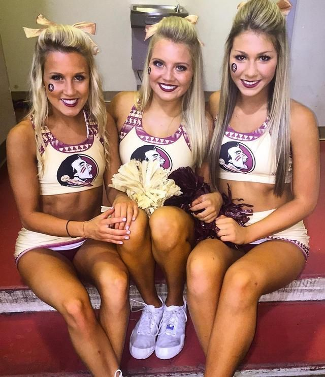 Sexy college cheerleader porn