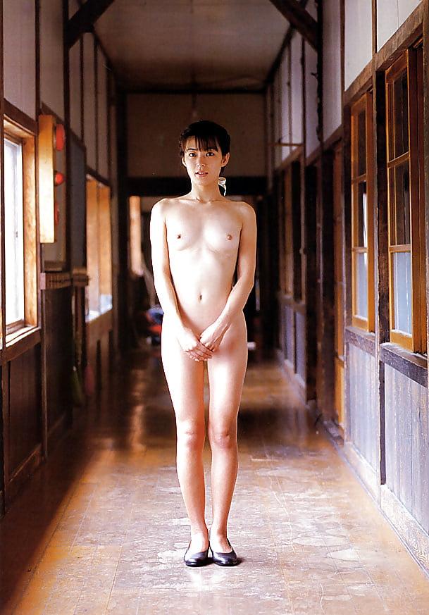 Nozomi kurahashi nude pics